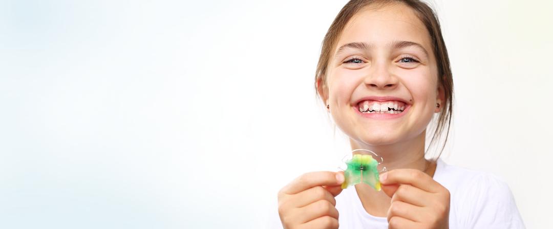 Jugendliche Zahnspangen